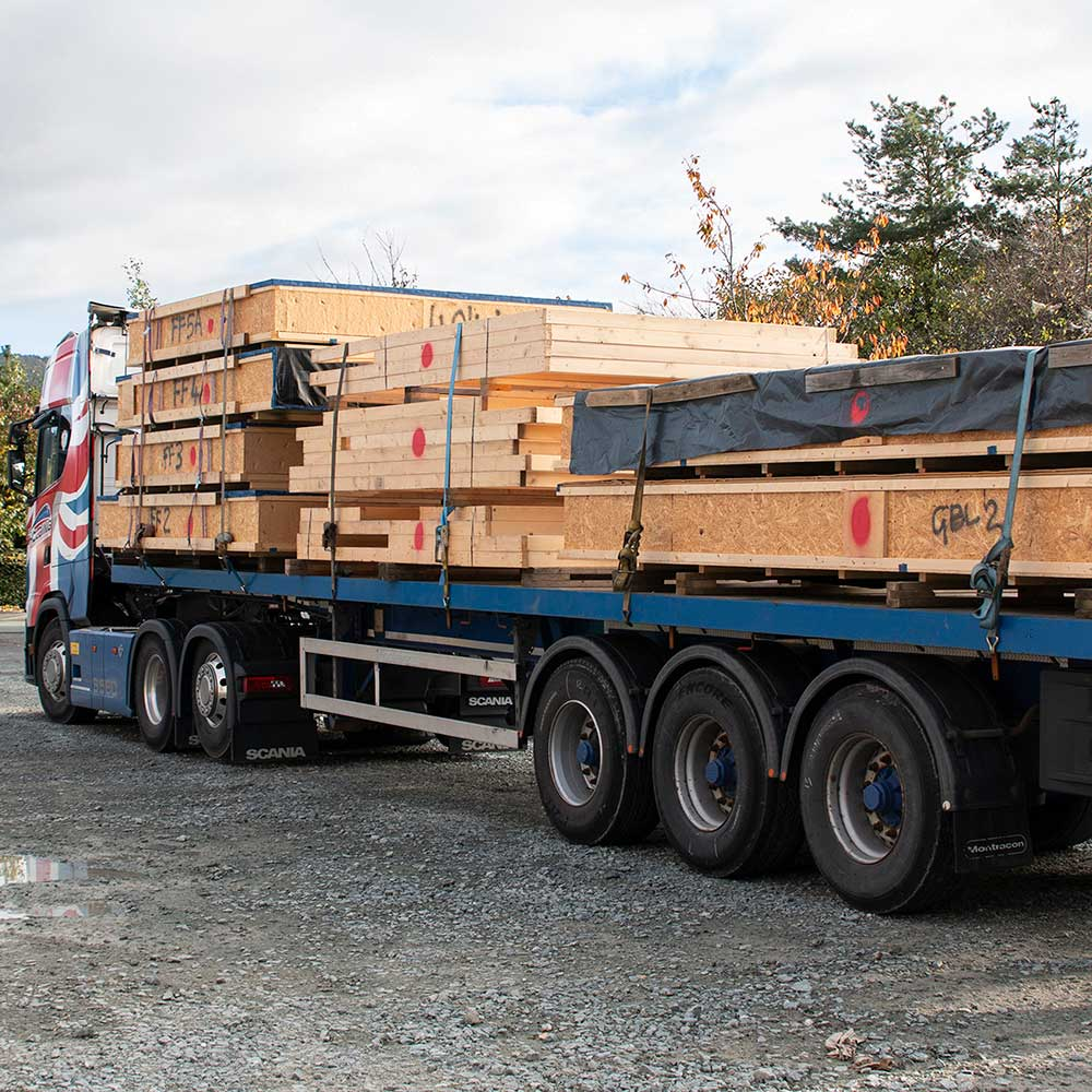 Delivery of offsite manufacture timber frame building